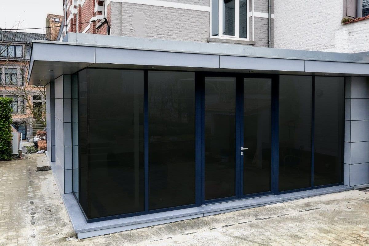 serre aanbouw met plat dak